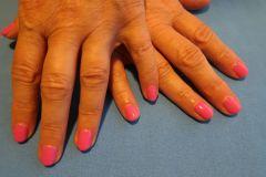 Modeláž-nehtů-01-Celopotah-Pink